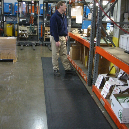 SmartCells custom anti-fatigue runners are used by organizations in a variety of industries and settings ranging from warehouses to office spaces and everything in between.